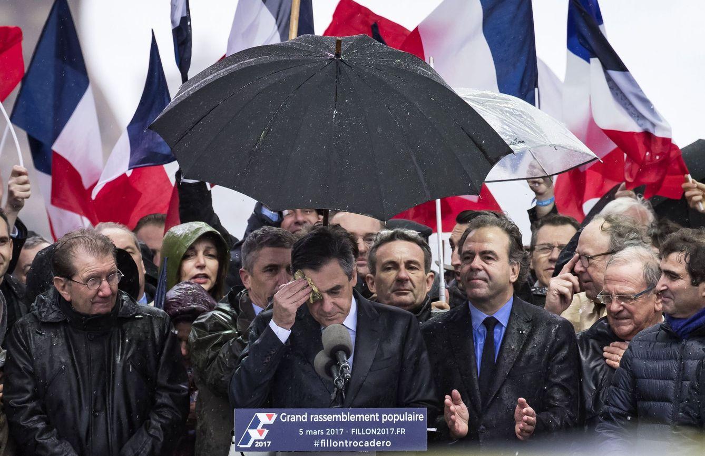 Fillon durante su discurso tras la manifestación de sus simpatizantes, en París (Reuters).