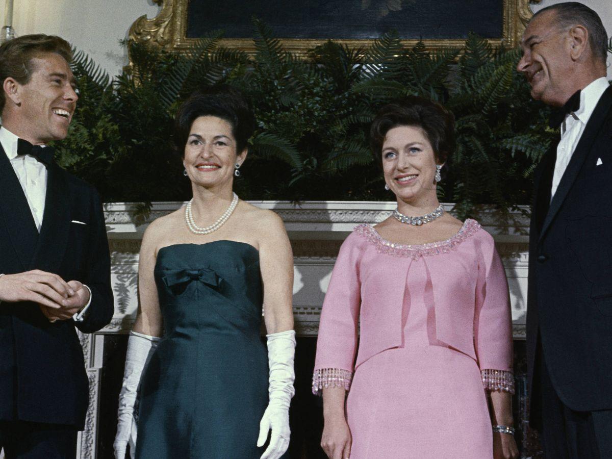 Foto: La princesa Margarita y su marido con el matrimonio Johnson. (Getty)