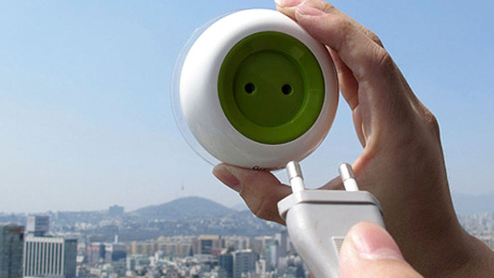 Un enchufe solar que puedes pegar en cualquier ventana