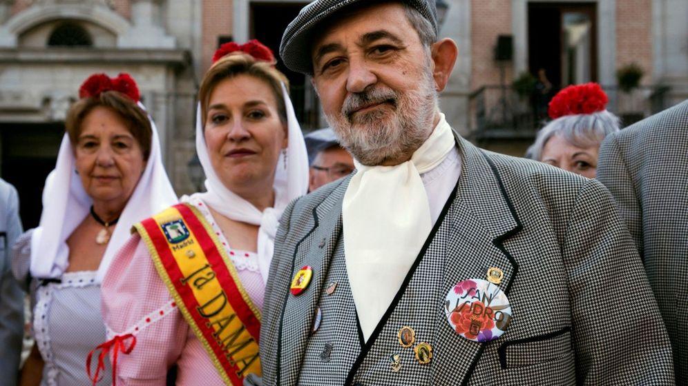 Foto: La tradición madrileña atemporal: fiestas de requiebros, chotis y chulapos. (EFE)