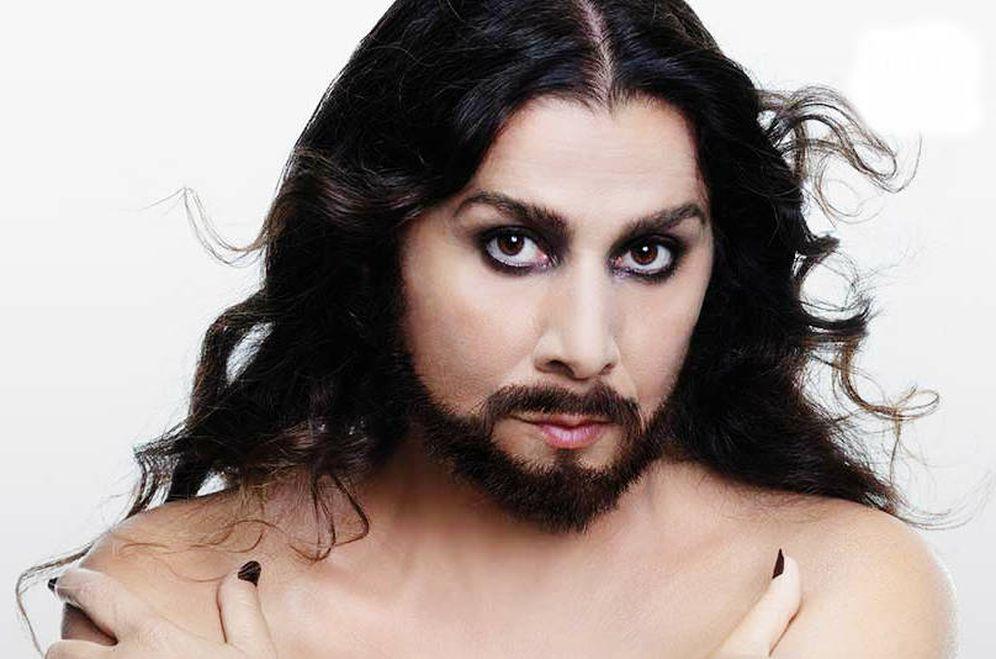 Foto: Cecilia Bartoli con barba de Farinelli en la portada de su nuevo disco