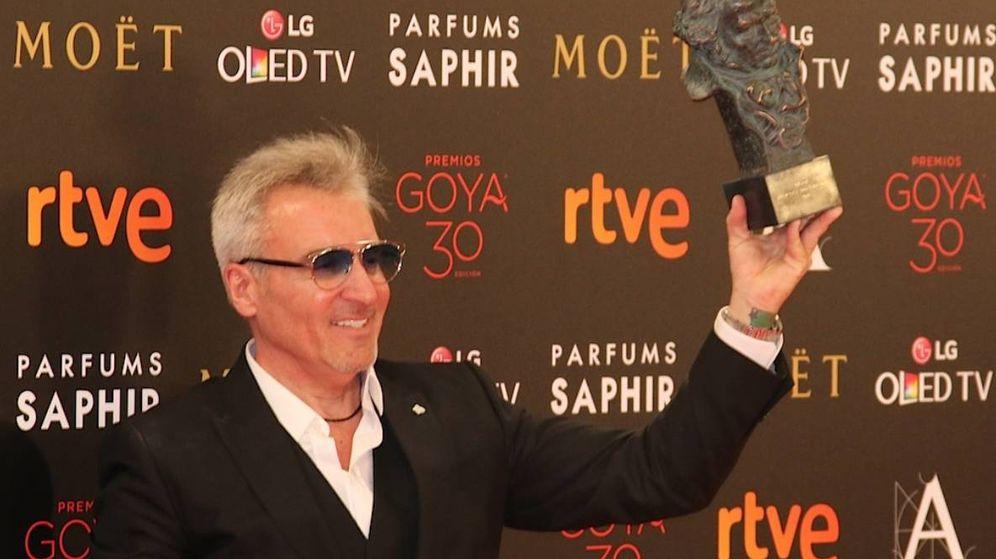 Foto: Jesús Navarro (Carmencita), cuando recogió el Goya de 2016 por el documental 'Sueños de sal'.