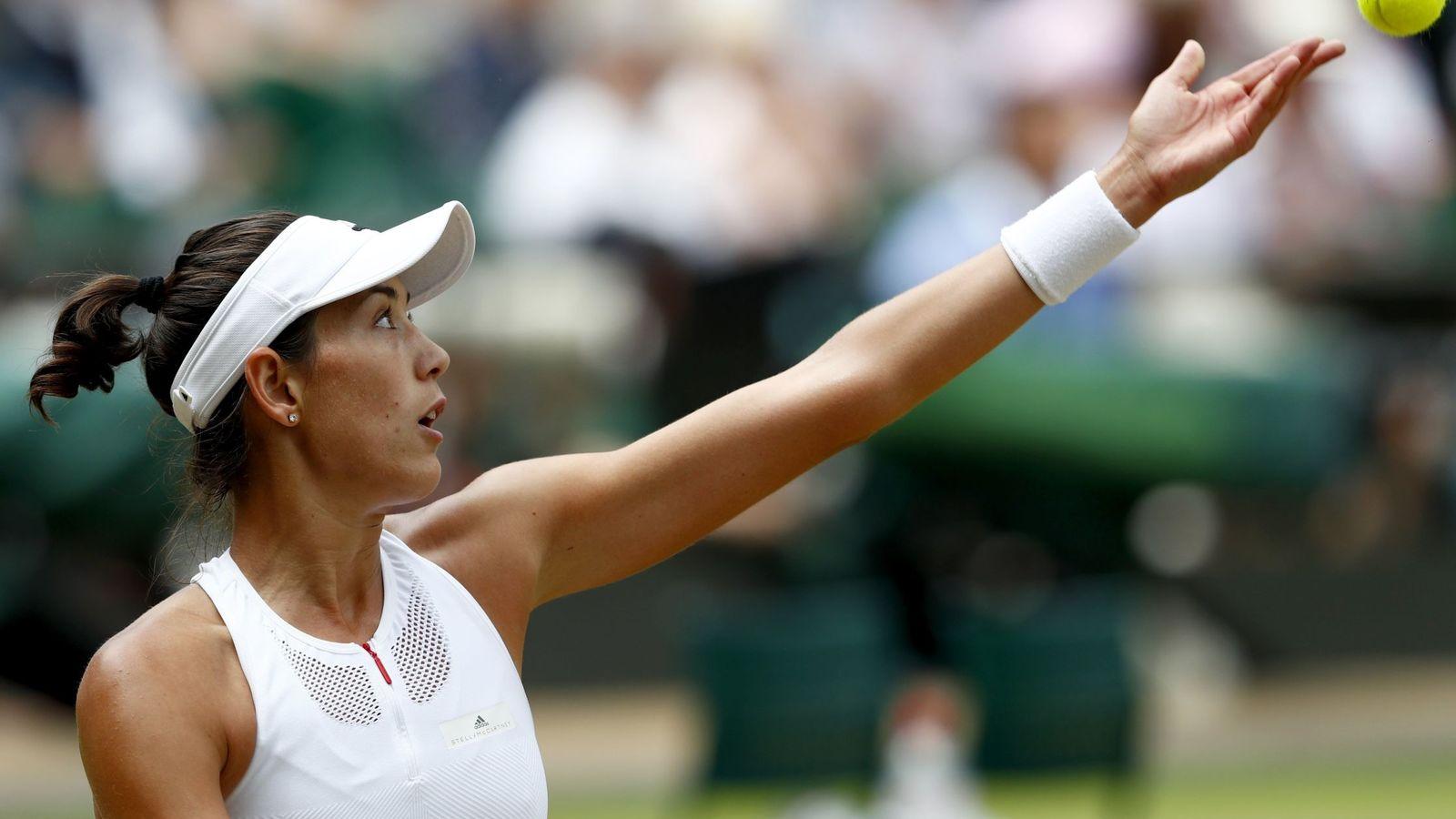 Foto: Garbiñe Muguruza de blanco Wimbledon. (Reuters)