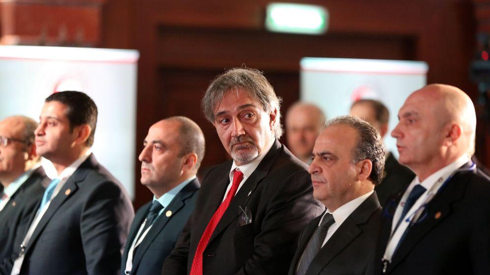 Foto: Francesco Rocca, nuevo presidente de la FCRI, durante una reunión con la Media Luna Roja Siria en Damasco, el 20 de diciembre de 2017. (EFE)