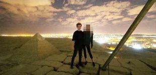 Post de Escándalo en Egipto por el vídeo de una pareja desnuda en una pirámide de Giza