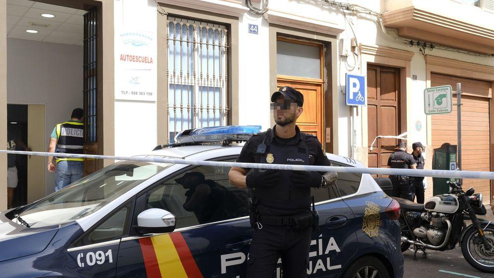 Foto: Un hombre mata a su expareja en su trabajo en Las Palmas y se suicida. (Efe)
