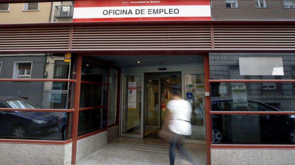 Foto: Exterior de una oficina de empleo en Madrid (Efe)