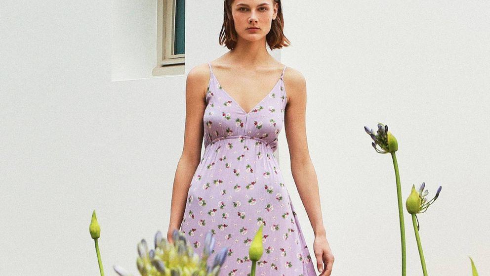Este vestido romántico de Stradivarius es perfecto para llevar a todas horas
