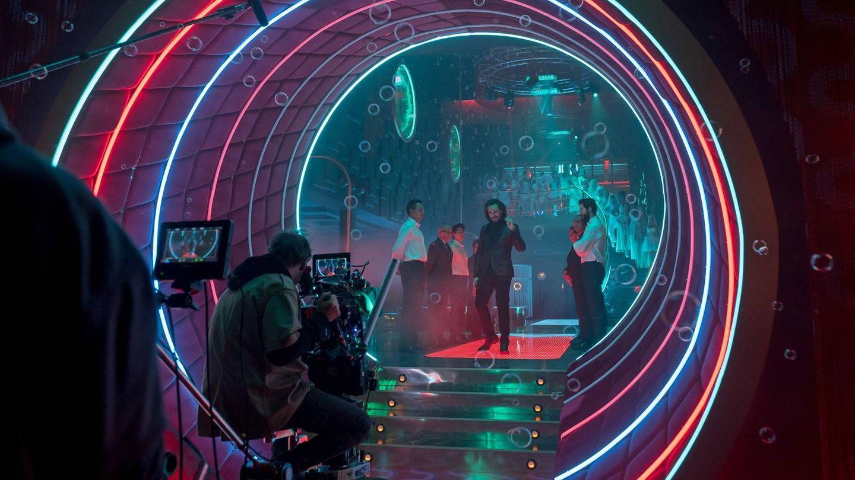 Imagen de la entrada del club de 'Sky rojo'. (Netflix)