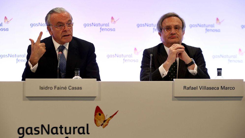 Foto: El presidente de Gas Natural Fenosa, Isidre Fainé (i), y el consejero delegado, Rafael Villaseca. (EFE)