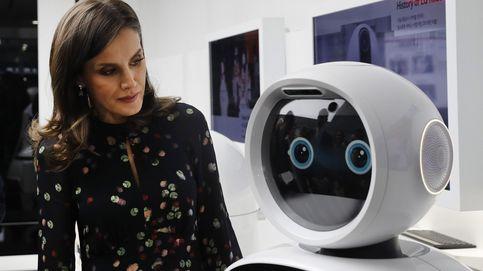 Letizia se despide de Corea con un vestido confetti de Massimo Dutti de 99 euros