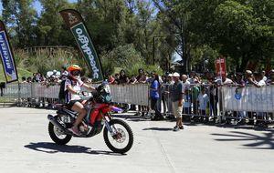 Los pilotos españoles inician la conquista de un Dakar de altura