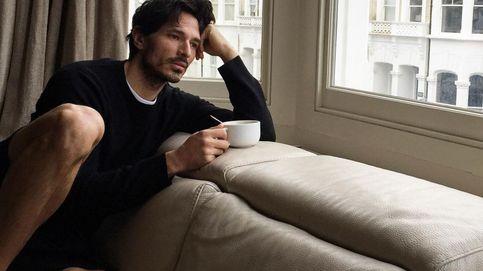 Andrés Velencoso, melancólico y ¿solo? en su nueva casa de Londres