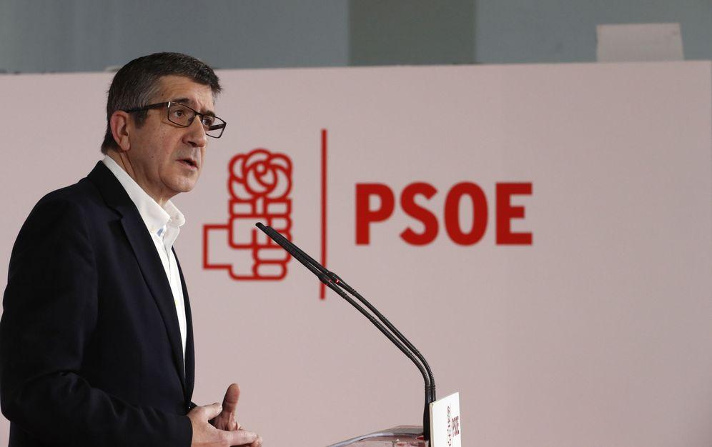 Foto: El exlehendakari Patxi López, durante la presentación de su candidatura, este 15 de enero en la Fundación Diario Madrid, en el centro de la capital. (EFE)