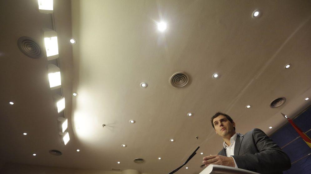 Foto: El presidente de Ciudadanos, Albert Rivera, durante su rueda de prensa. (EFE)