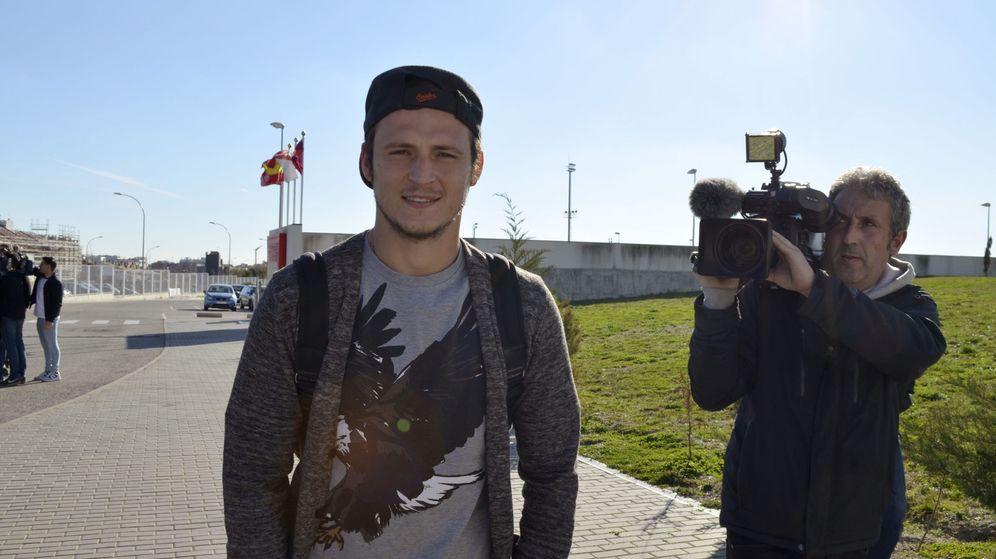 Foto: El fichaje de Roman Zozulya fue rechazado por la afición del Rayo Vallecano. (EFE)