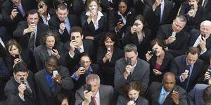 Foto: Nomofobia: ¿tienes miedo irracional a salir a la calle sin el teléfono móvil encima?