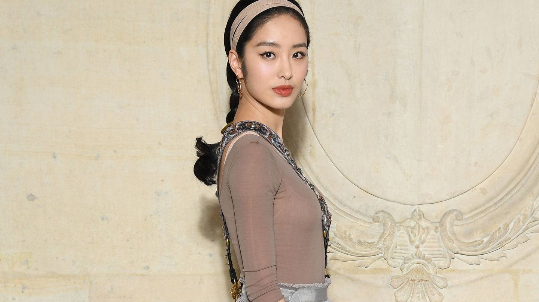 Ora Yang en el desfile de Christian Dior de la Paris Fashion Week. (Getty)