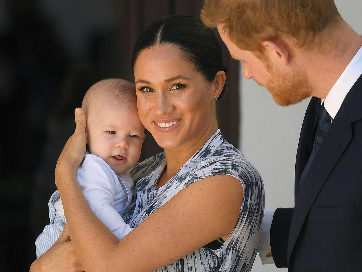 Foto: Los duques de Sussex, con su primer hijo, Archie. (Getty)