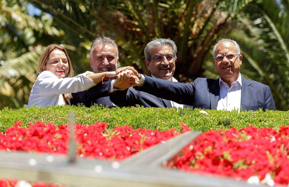 Foto: Noemí Santana, Ángel Víctor Torres, Román Rodríguez y Casimiro Curbelo, este 22 de junio en Santa Cruz de Tenerife. (EFE)