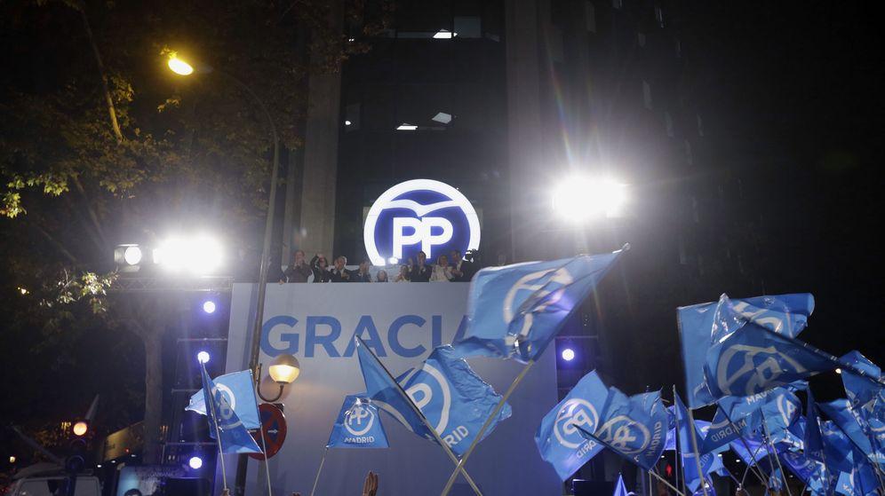 Foto: Sede del PP en Madrid tras conocerse los resultados de las elecciones del 20 diciembre (EFE)