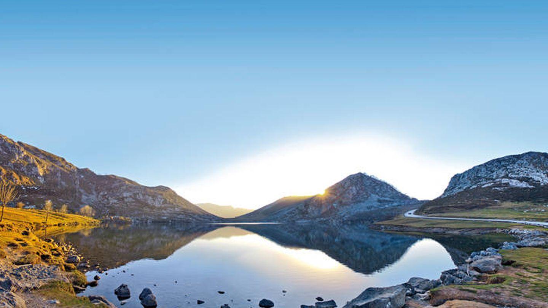 El Lago Enol, como un sueño. (Foto: Turismo de Asturias)