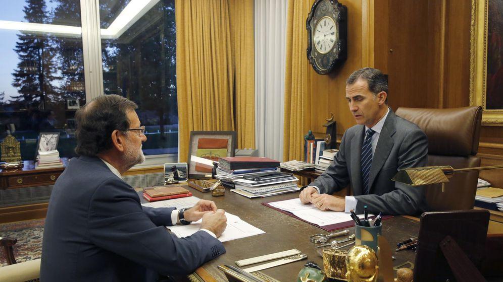 Foto: Mariano Rajoy y Felipe VI en el despacho del monarca. (EFE)