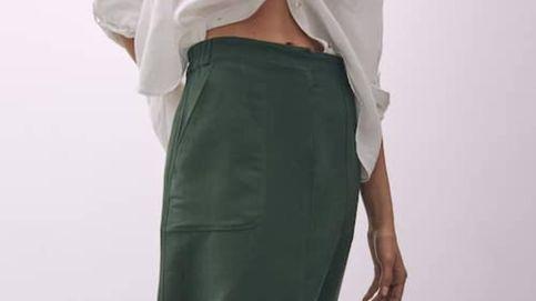 La falda midi de Massimo Dutti que ha puesto de acuerdo a las estilistas