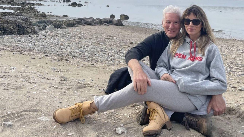 Richard Gere y Alejandra Silva en Galicia: sardinas, marisco y paseos por la playa