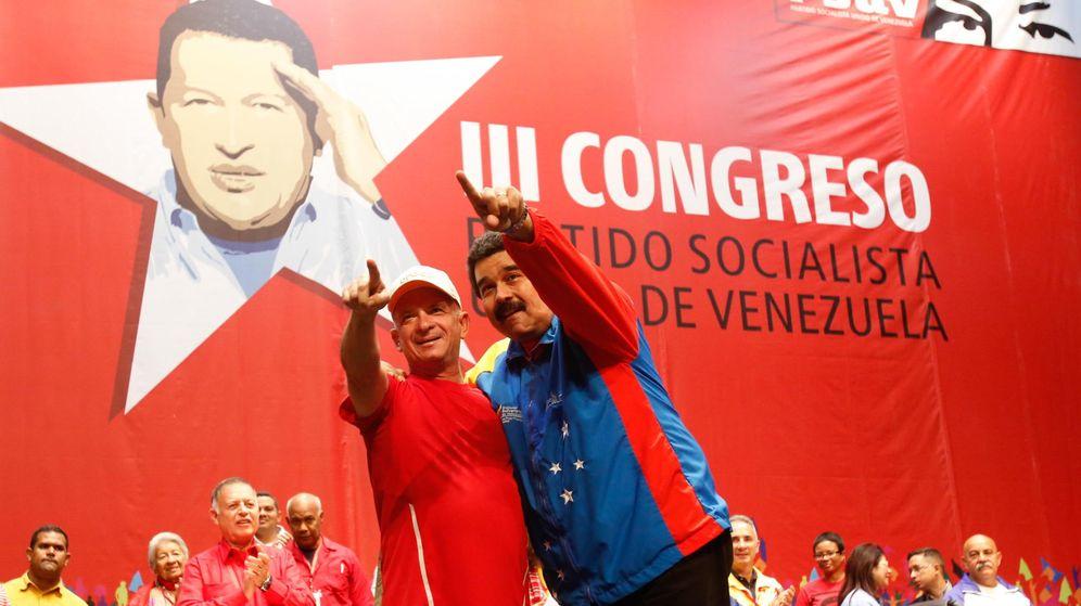 Foto: El presidente venezolano, Nicolás Maduro (d), junto al exjefe de la Inteligencia militar Hugo Carvajal. (EFE)