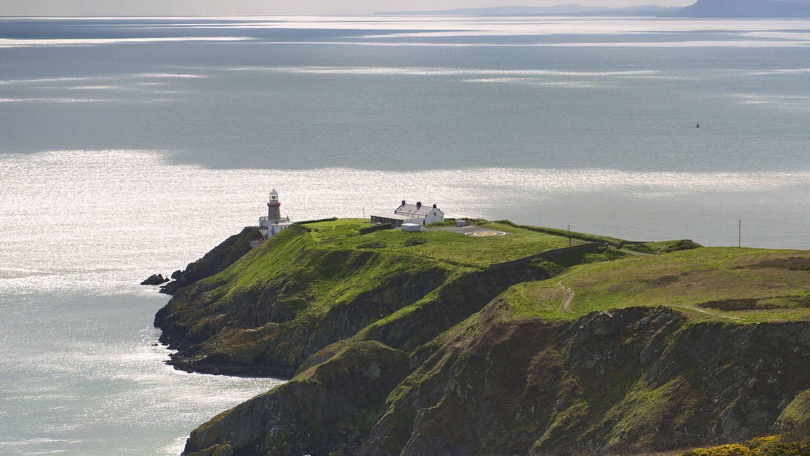 Foto: Faro de Baily, en Howth, Irlanda (iStock)