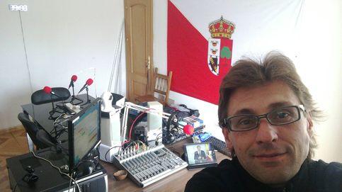 La radio con 70 oyentes que se coló en Moncloa y mandó paracaidistas a Toledo