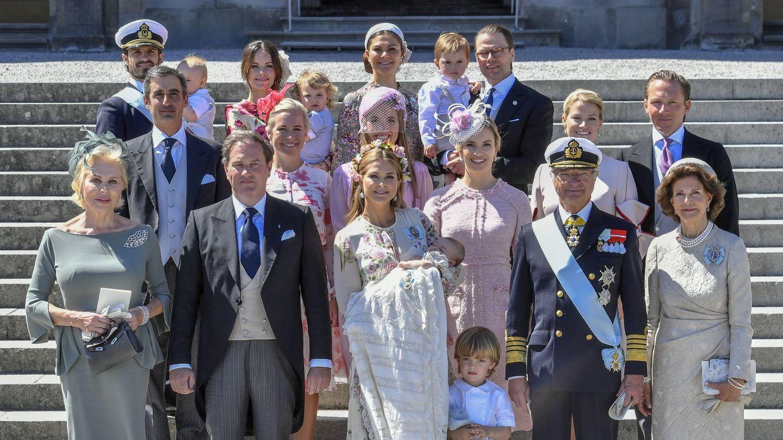 La familia real, reunidos para el bautizo de Adrienne, en 2018. (EFE)