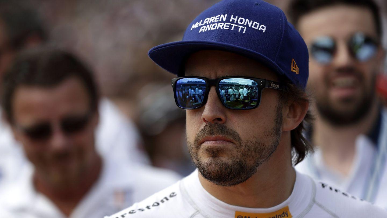 En Indianápolis, solo el impacto global del espacio ocupado por un logotipo en el casco de Alonso se valoró en 7 millones de dólares. (EFE)