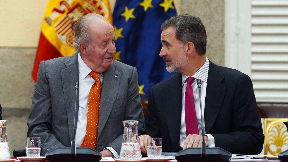 Foto: Felipe VI, con su padre, el rey Juan Carlos. (EFE)