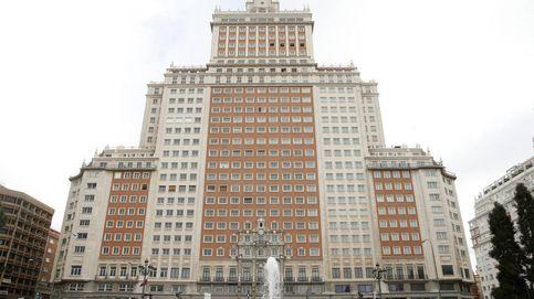 El juez ordena la suspensión inmediata por riesgo del Edificio España