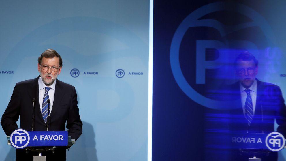 Rajoy vuelve a la gran coalición y ofrece apoyo a los barones frente a Podemos