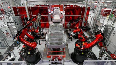 La verdad que Tesla no quiere que conozcas: no hay baterías (ni litio) para tanto coche