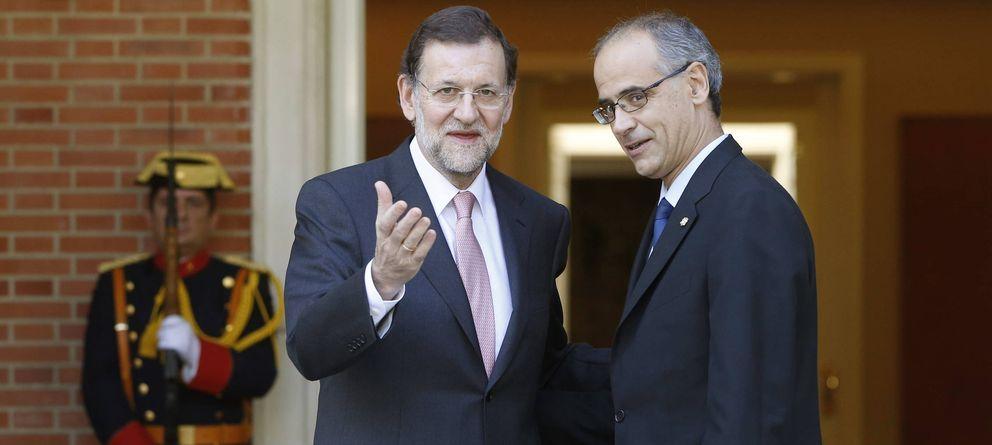 Foto: El presidente del Gobierno, Mariano Rajoy (i), recibe al jefe de Gobierno del Principado de Andorra, Antoni Martí. (EFE)