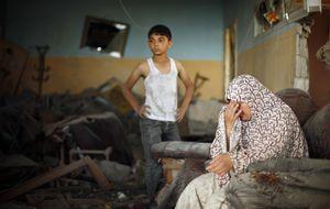 Milicianos palestinos lanzan tres proyectiles de mortero durante el alto el fuego