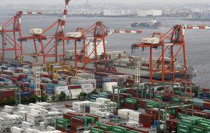 Déficit comercial récord de Japón en enero, un 70% más que en 2013