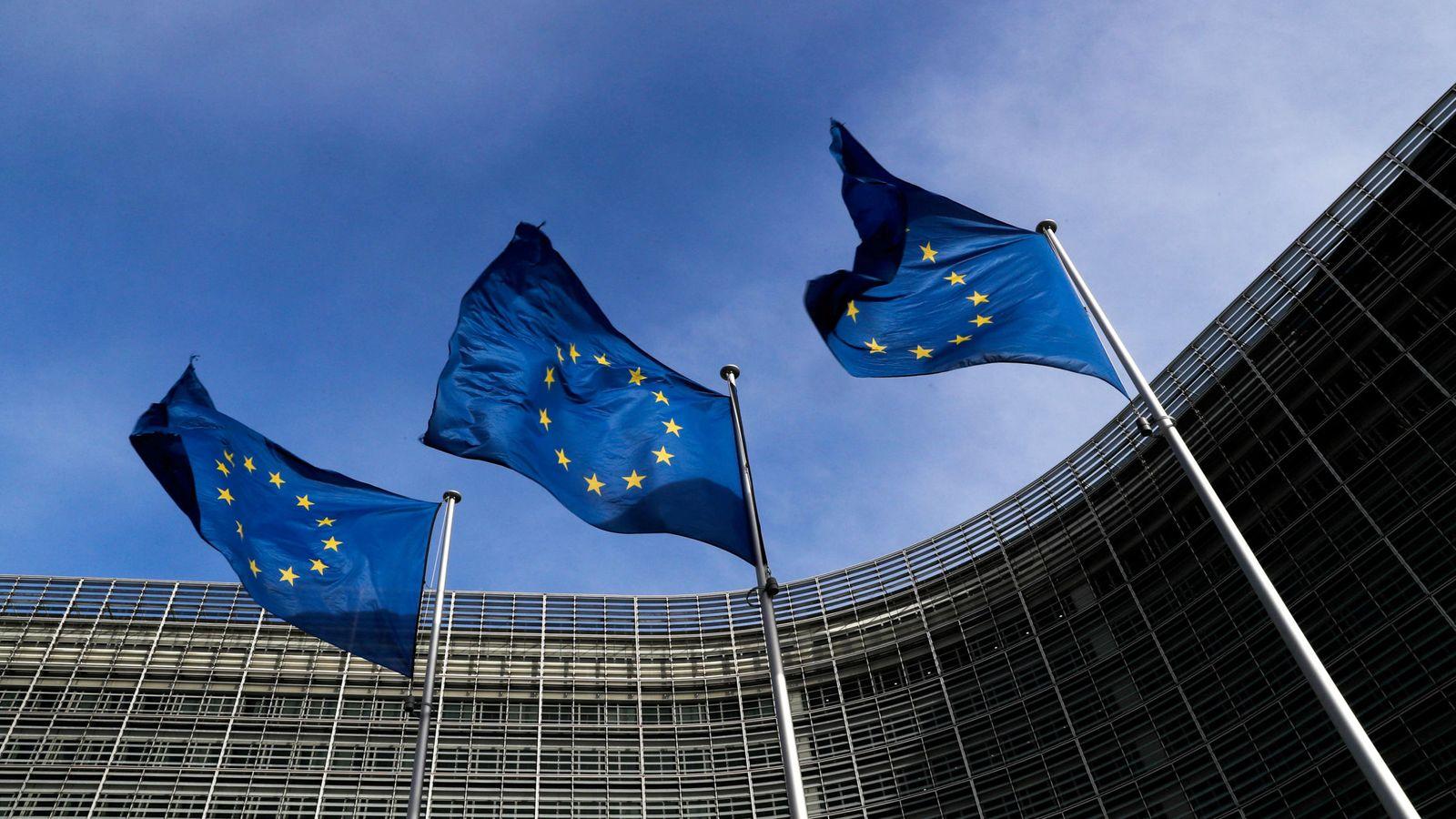 Foto: Banderas de la Unión Europea. (Reuters)