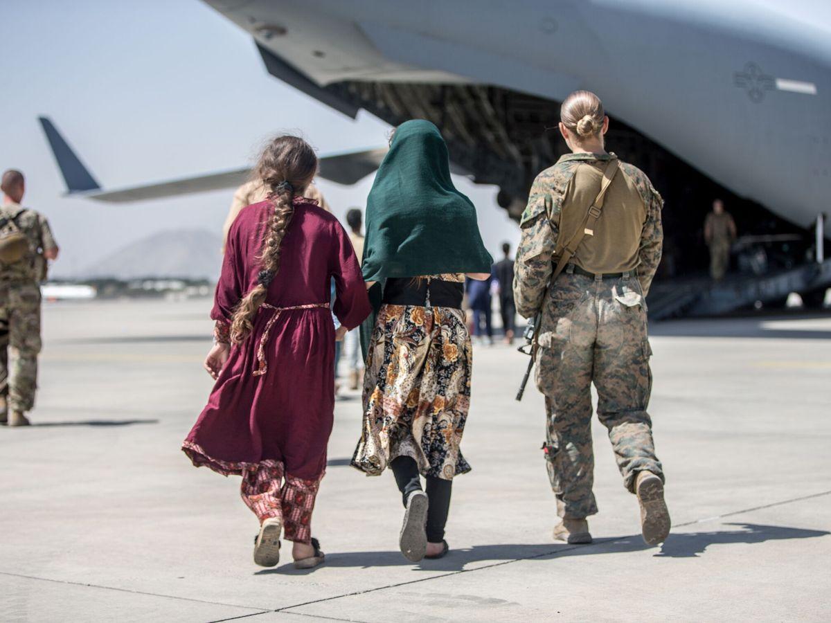 Foto: Evacuación desde el aeropuerto Hamid Karzai de Kabul. (Reuters)