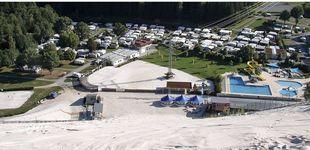 Post de ¿Te imaginas esquiar sobre arena y en una estación aparecida de repente?