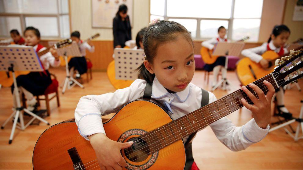 Los niños de Corea del Norte muestran sus dotes en el Palacio de los Niños Mangyongdae