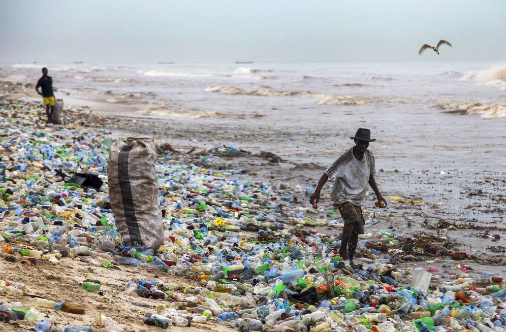 Foto: Playa contaminada en Acra, Ghana. (EFE)