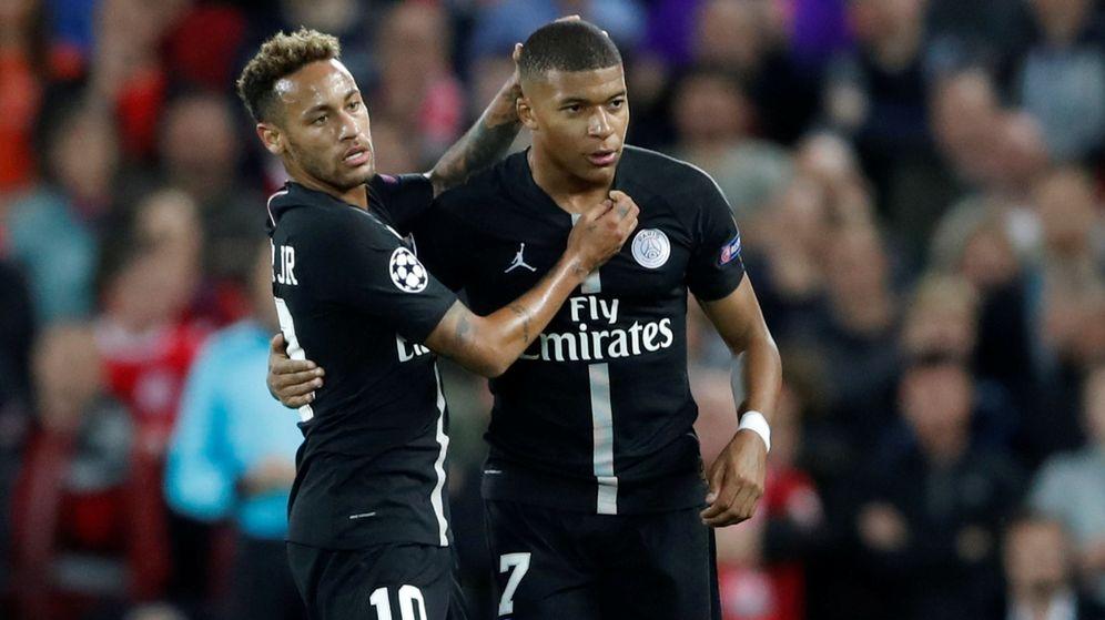 Foto: Neymar y Mbappé, durante un partido con el Paris Saint-Germain. (Reuters)