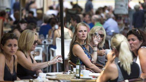 Carta de los súper y bares a Báñez: cambiar el huso horario se traducirá en pérdidas