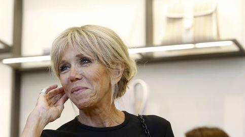 El comentado (y criticado) look de Brigitte Macron en su debut como primera dama