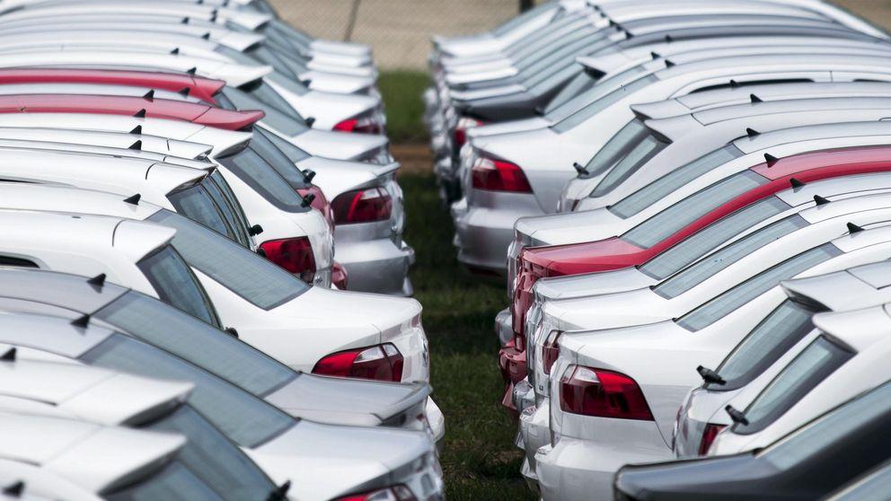 El automóvil pone la directa en bolsa en pleno cambio de sillas en el sector